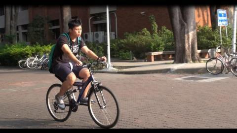 成大免費認領單車 兩百多輛二手單車認領一空