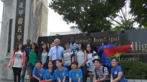 成大外籍生  將世界帶進國中校園