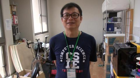 成大蘇文鈺教授與鴻海基金會  攜手培訓偏鄉程式教學志工