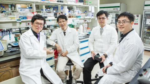 成大律祈醫創「飛速可攜式雲端分子診斷儀」  奪國家新創獎