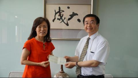 【影音】肯定成大暑期華語課程 台美姐妹關係聯盟TUSA捐款表謝意
