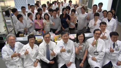 成大藥劑學實驗室  專業器材設備培育人才