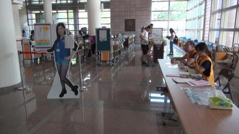 第14屆成大圖書館二手書義賣  善款助老人作公益